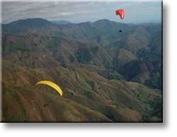 Click for bigger paragliding photos in new window...